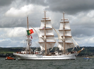'Sagres'_in_Belfast_Lough_-_Tall_Ships_Belfast_2009_-_geograph.org.uk_-_1446241 (2)