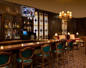madison-club-lounge-at-the-roosevelt-hotel-new-york-th